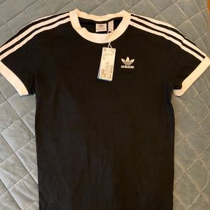 Adidas size xs t shirt in black! New with tags.